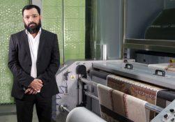 شرکت نساجی پاکستانی موتی فابریکس (Moti Fabrics) برای همگام بودن با تغییر ذائقه بازار در صنعت چاپ پارچه، الگوی تجاری جدید و چالش برانگیزی را در پیش گرفته است.